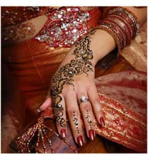 Mehndi-indiano-mani